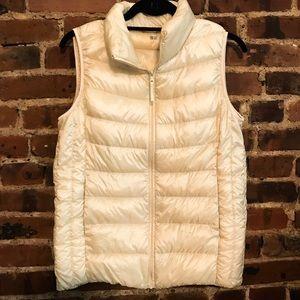 Uniqlo HeatTech lightweight puffy vest